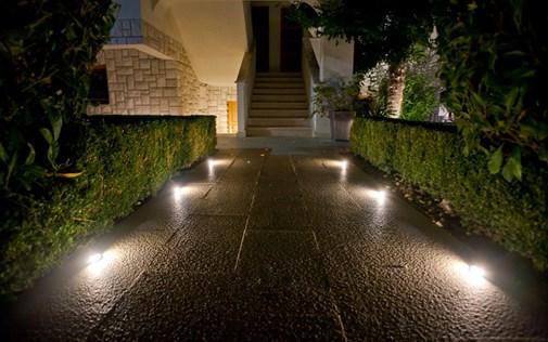 led_osvetleni_do_zahrady.jpg